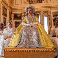 Netflix『ブリジャートン家』、シャーロット王妃にアフリカ系女優を起用した理由とは?原作者が明かす