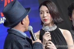 木梨憲武、三吉彩花 (C)モデルプレス
