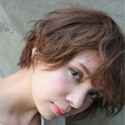 いつも同じ髪型じゃつまらない!ショートでもできるヘアセット方法♡