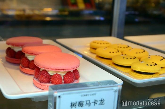 「ロビーカフェ」にはSNS映えもばっちりの色鮮やかなスイーツが(C)モデルプレス