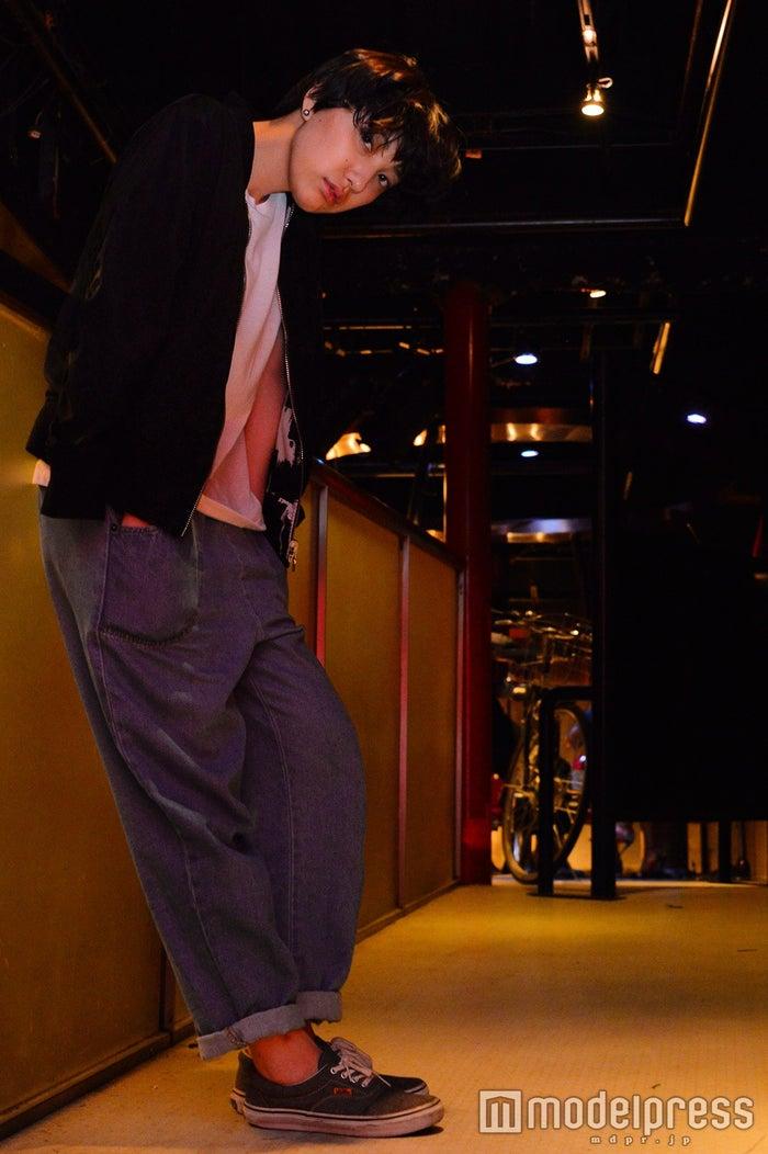 """女優×ラッパー加藤真弓、会場圧倒の裏に秘めた""""表現""""への信念「邪道っ ..."""