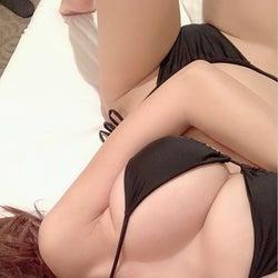 """森咲智美の""""エロすぎる""""インスタ フォロワー数200万人突破<コメント到着>"""