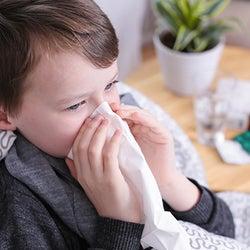 鼻水・咳・じんましん… アレルギーから子どもを守るには?