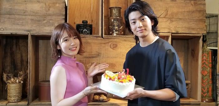 内田真礼、伊藤健太郎(C)TBS