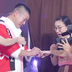 モデルプレス - たんぽぽ・白鳥久美子、彼氏から公開プロポーズ「24時間テレビ」で婚約決定