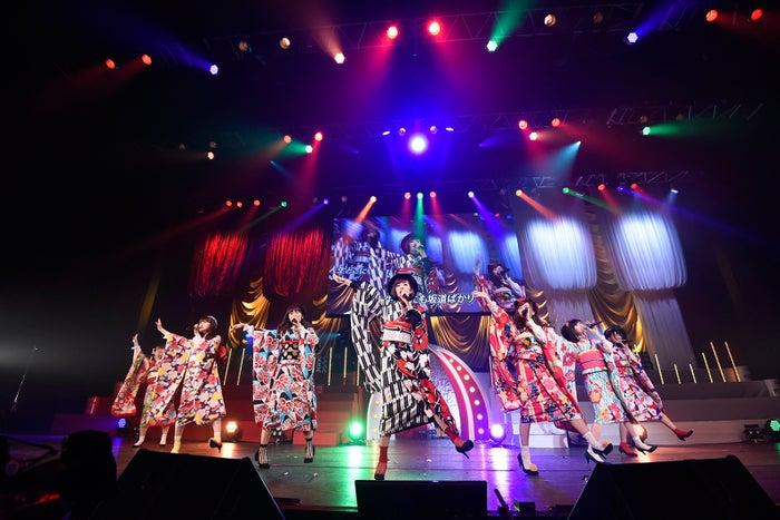 田名部生来(中央)らじゃんけん民「第6回 AKB48紅白対抗歌合戦」(C)AKS