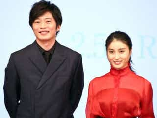 田中圭、土屋太鳳はオンオフのギャップがすごい!「撮影が始まるとギャって」