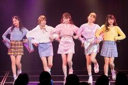"NMB48""女子力ユニット""Queentet、衣装ハプニングも?可愛すぎる単独ライブで沸かす"