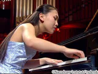 """「天才少女」と呼ばれたピアニスト・小林愛実、世界最高峰への挑戦を決意させた""""初の挫折""""とは"""