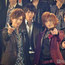 舞台『私のホストちゃん REBORN』の初日挨拶に臨んだ(前列左から)久保田秀敏、染谷俊之 (C)モデルプレス