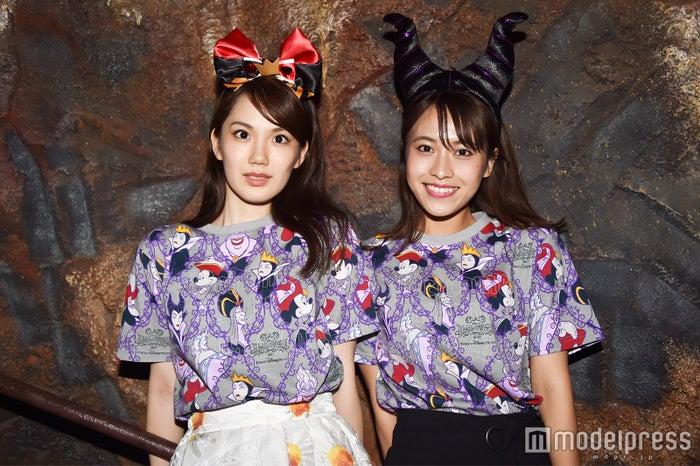 TシャツSサイズ(各¥2,600)/(C)モデルプレス/モデル:(左から)松田佳奈子、山本沙樹(C)モデルプレス(C)Disney