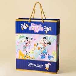 """「ディズニーアンバサダーホテル」「東京ディズニーランドホテル」共通""""ディズニー・イースター""""ペーパーバッグ (C)Disney"""