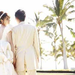 モデルプレス - 熊田曜子、ハワイで挙式 夫とのツーショット写真公開