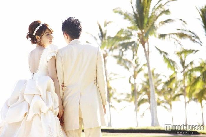 ハワイで挙式した熊田曜子夫妻