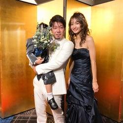 安井レイが結婚式 家族ショット初公開&夫との馴れ初めも告白<インタビュー>