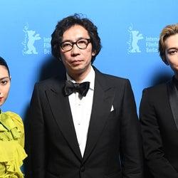 (左から)二階堂ふみ、行定勲監督、吉沢亮(提供写真)