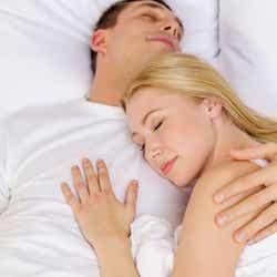モデルプレス - お泊りデートで男性がドン引きするNG行動4選