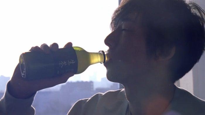 キリン 生茶「朝編」動画より