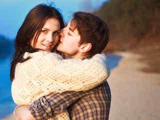 男性が思わず女子をギュッと抱きしめたくなる時