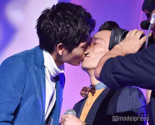 歴代ジュノンボーイ、ステージ上で生キス連発「おかしな流れに」<第31回 ジュノン・スーパーボーイ・コンテスト>