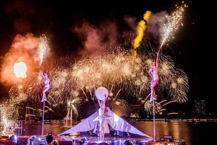 パフォーマー、音楽、花火が連動した演出/画像提供:STAR ISLAND実行委員会