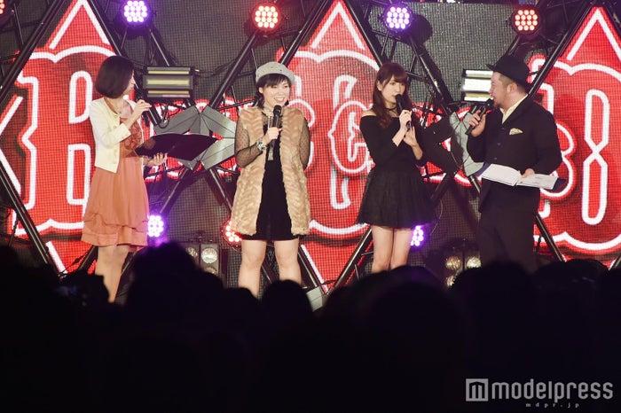 吉田朱里/ステージの様子(C)モデルプレス