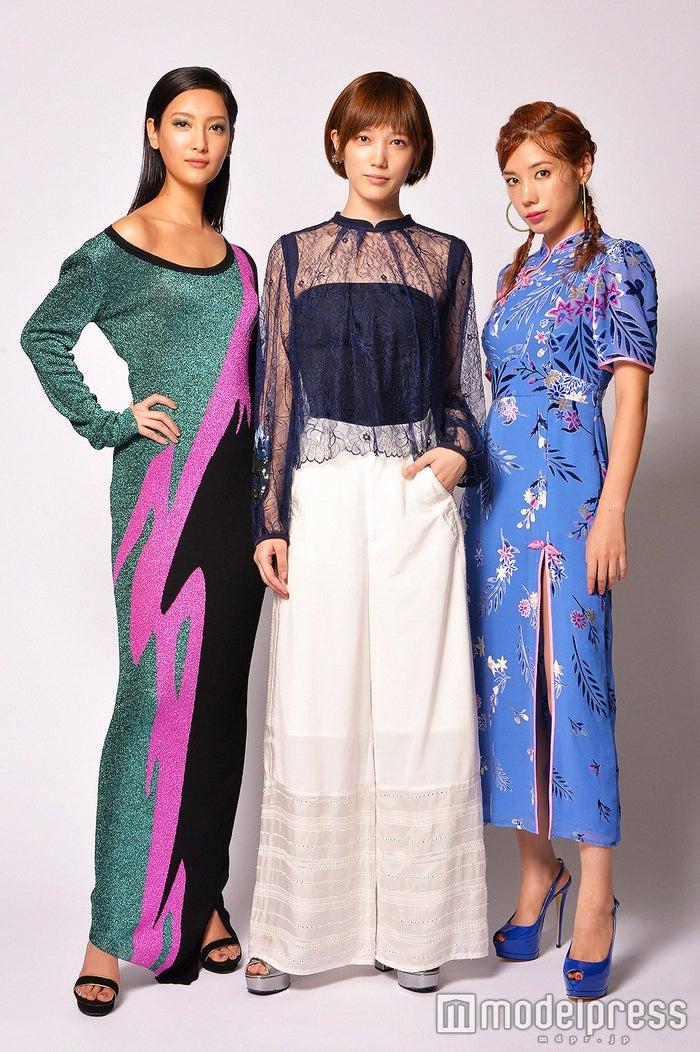 左から:菜々緒、本田翼、仲里依紗 (C)モデルプレス