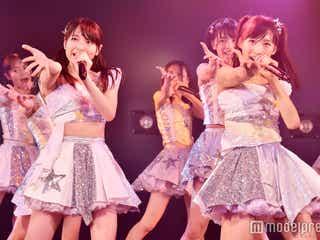 "AKB48「次世代の前田敦子と大島優子」がWセンター 平均年齢16歳""最注目の若手""選抜公演開幕<「世界は夢に満ちている」公演レポ・セットリスト>"