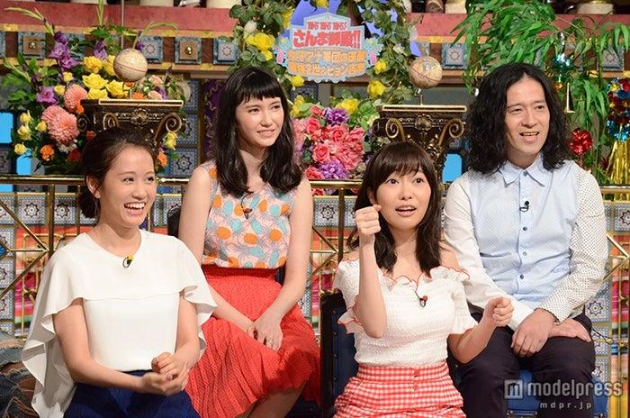 新旧センター共演が実現(前列左から)前田敦子、指原莉乃(C)日本テレビ【モデルプレス】