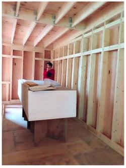 建設中の新居の様子とアレクサンダー/アレクサンダーオフィシャルブログ(Ameba)より