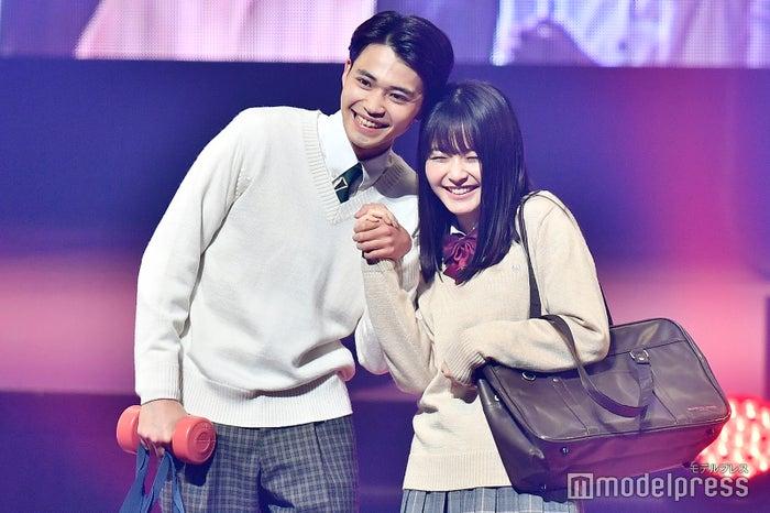 中田圭祐&久間田琳加(C)モデルプレス