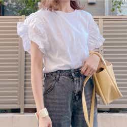 モデルプレス - 着るだけで二の腕が細く見える!大人女子向けZARA「Tシャツ」で夏の正解着回しコーデ