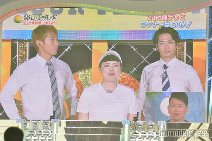 「24時間テレビ」チャリティーマラソンランナーに決定したブルゾンちえみ、送り出すwithB/日本武道館モニター(C)モデルプレス