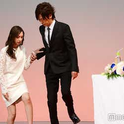 (左)北川景子(C)モデルプレス