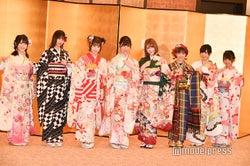 HKT48(左から)小田彩加、山下エミリー、朝長美桜、下野由貴、村重杏奈、外薗葉月、運上弘菜、堺萌香 (C)モデルプレス