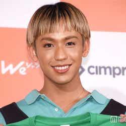 モデルプレス - りゅうちぇる、5人兄弟全員集合ショット 姉・比花知春が公開「何十年ぶりに」