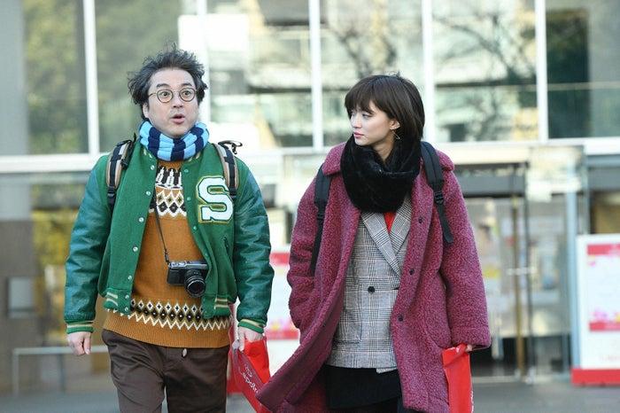 ムロツヨシ、田中真琴/「きみが心に棲みついた」第3話より(C)TBS