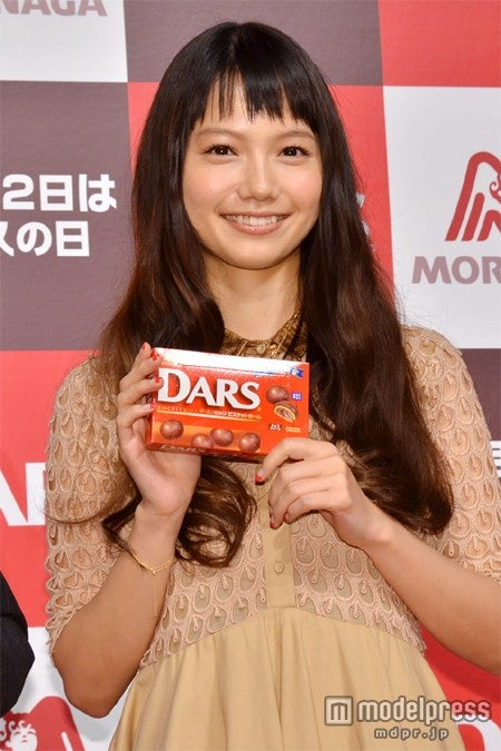 「12月12日はダースの日 HAPPY DARS DAY!!発表会」に出席した宮崎あおい