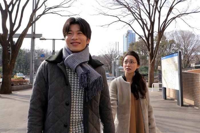 田中圭、大島優子「東京タラレバ娘」第6話より(C)日本テレビ