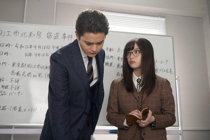 瀬戸康史、橋本環奈「ルパンの娘」第4話より(C)フジテレビ
