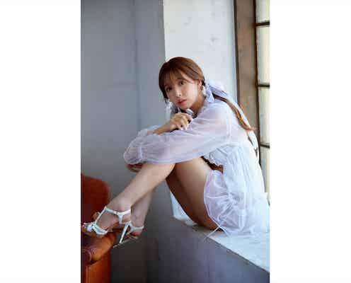 「天使降臨してる」三上悠亜、圧倒的スタイルの透明感あふれる美脚ショットでファン魅了