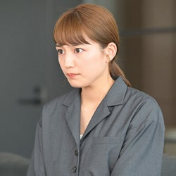 川口春奈 「着飾る恋には理由があって」第9話より(C)TBS