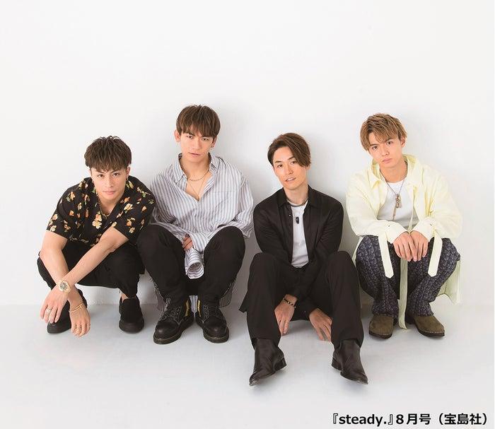 白濱亜嵐、EXILE NAOTO、EXILE TETSUYA、佐藤大樹/「steady.」8月号(宝島社:提供画像)