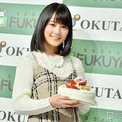 サプライズケーキに満面の笑み!生田絵梨花(C)モデルプレス