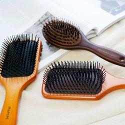 パドルブラシで髪が生き返る!?美髪になる使い方&おすすめランキング