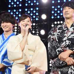 (左から)金子大地、大塚寧々、眞島秀和 (C)モデルプレス