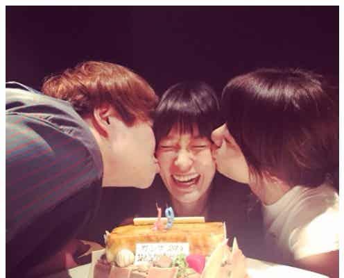 水川あさみ、ハリセン近藤春菜&森矢カンナから熱烈キス「私の誕生日みたい」