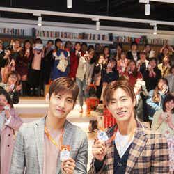 「JEJU air Fan Festival with TVXQ! ~集まろう!チェジュ航空アンバサダー~」に登壇した東方神起(左から)チャンミン、ユンホ(提供写真)