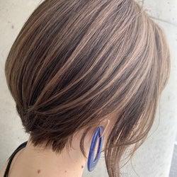 大人女子におすすめのおしゃれな《ハイライトヘアカラー》8選|白髪には黒染めよりハイライト!