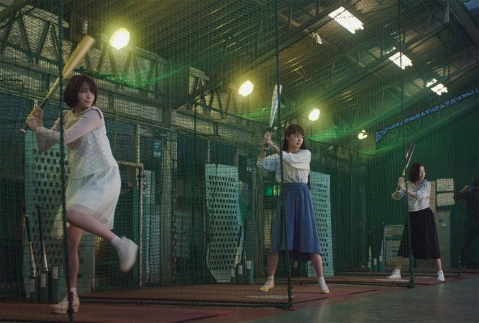 (左から)広瀬すず、宮崎あおい、鈴木京香/「バッティング」篇(提供画像)